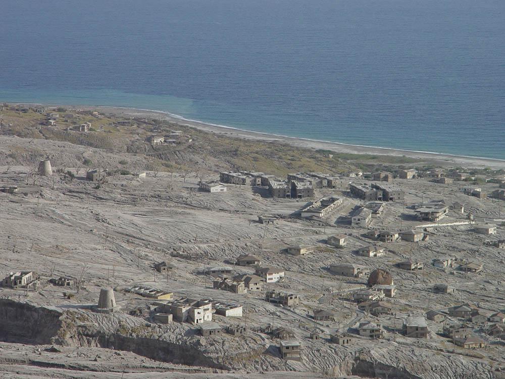 Город Плимут на острове Монсеррат, уничтоженный извержением вулкана в 1997 году